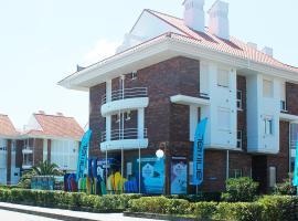 Watsay Surf House, Santoña