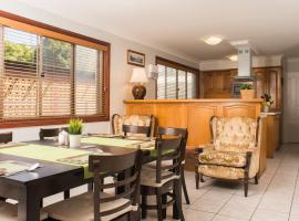 Ainslie Manor Bed and Breakfast, Redcliffe