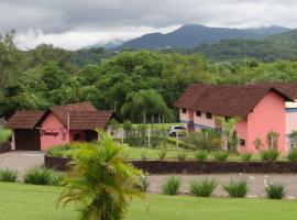 Motel Flamingo (Adults Only), Igrejinha