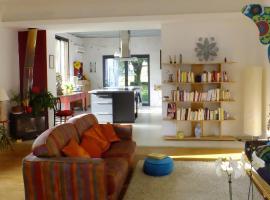 Maison Athena, Bordères