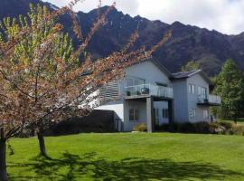 Queenstown Lakeside Holiday Home, Frankton