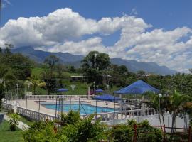 Finca Hotel Lago Azul, Calarcá