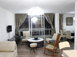 Luxury Sea View Apartment, Tel-Aviv