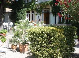 Hôtel le Chalet Fleuri, Saint-Rémy-de-Provence