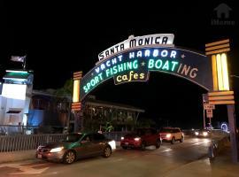 Santa Monica Pier & Beach Apt 11, Los Angeles