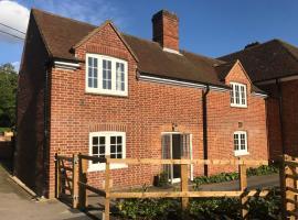 Quarters Living - Courtyard Cottage, Marsh Baldon