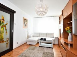 Nefertiti's Apartment, Piatra Neamţ