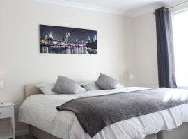 Aylsham Drive Apartment, Ickenham