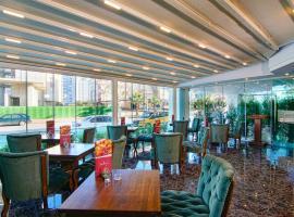 Hotel S White