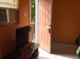 Small Studio Apt. Close Everywhere, Siesta, Sarasota