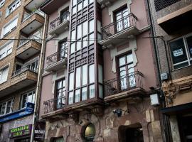 Cuatro Caminos Rooms, Torrelavega