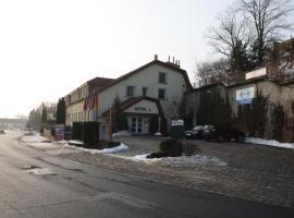 Hotel Bouček, Mochov