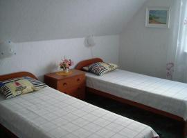 Ironi Hostel, Mustvee