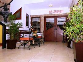 Hotel Rodelu, Latacunga