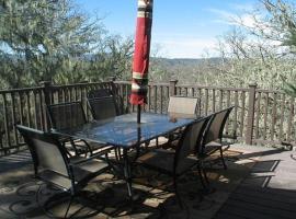 Vista Del Puerto at Lake Nacimiento in Paso Robles Wine Country, Oak Shores