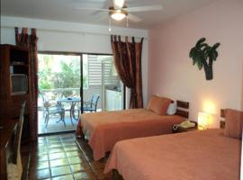 Caribbean Paradise Inn, Grace Bay