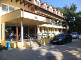 Touring Hotel, Berekfürdő