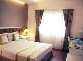 Golden Ant Hotel, Hočiminovo Mesto