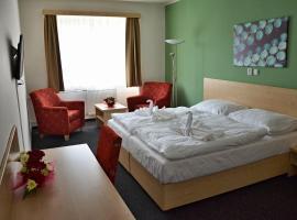 Městský hotel Bobík, Volary