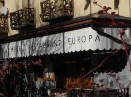 Hotel Europa, Les