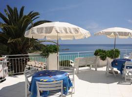 Appartamenti Le Sirene, Campo nell'Elba