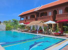 Delux Villa, Battambang