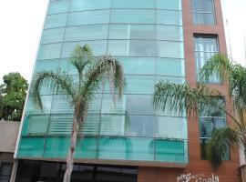 Hotel Centinela Grand, Arandas