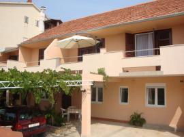 Apartments Pavlov, Tisno