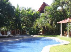 El Sueño Tropical, Carrillo