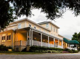 Lakeside Inn on Lake Dora