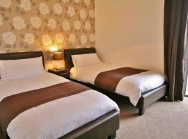 Warwick Place Serviced Apartments by RoomsBooked, Cheltenham