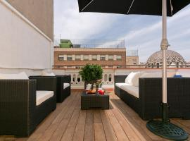 popular hotels near passeig de gracia metro station