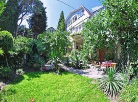Apartments at Pavlenko Street, Jalta