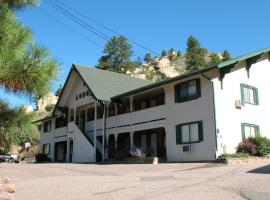 Coyote Motel, Black Hawk