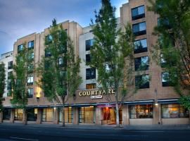 Courtyard Portland Downtown / Convention Center