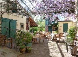 Chambres d'hôtes et Gîte Sous La Tonnelle, Uzeste
