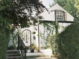 Sydney Lodge