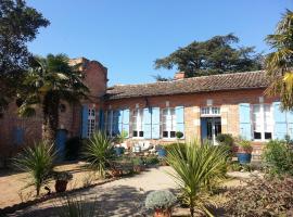 18th-Century Haute-Garonne Guest House, Poucharramet