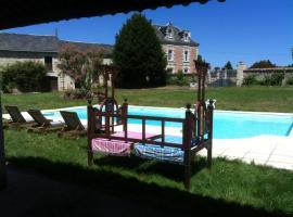 Villa avec piscine, Curçay