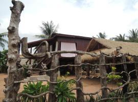 Khoeun Sreymom and Khlot Sopheng Homestay, Banteajcsmar