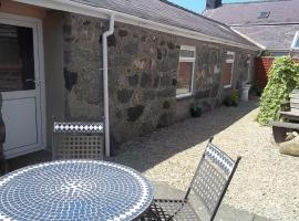 Cefn Eithin Holiday Cottages, Groeslon