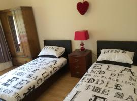 Diamond - Castle Green Apartment, Dumbarton