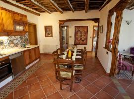 Casa Carole - 3 Bedroom Luxury Apartment, Bubión
