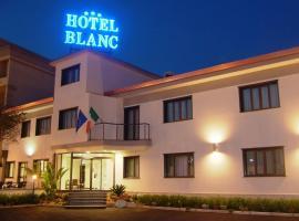 Hotel Blanc, Casoria