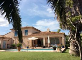 La Villa Clava, Claira