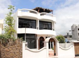 Planet House, Puerto Ayora