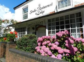 Studio Restaurant & Lodge