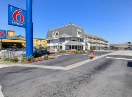 Motel 6 Oakland Airport, Oakland