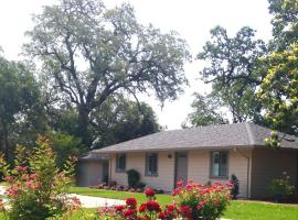 Sonoma Rosso Guest Cottage, Kenwood