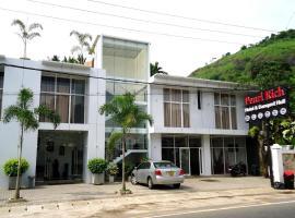 Pearlrich Hotel, Kadugannawa